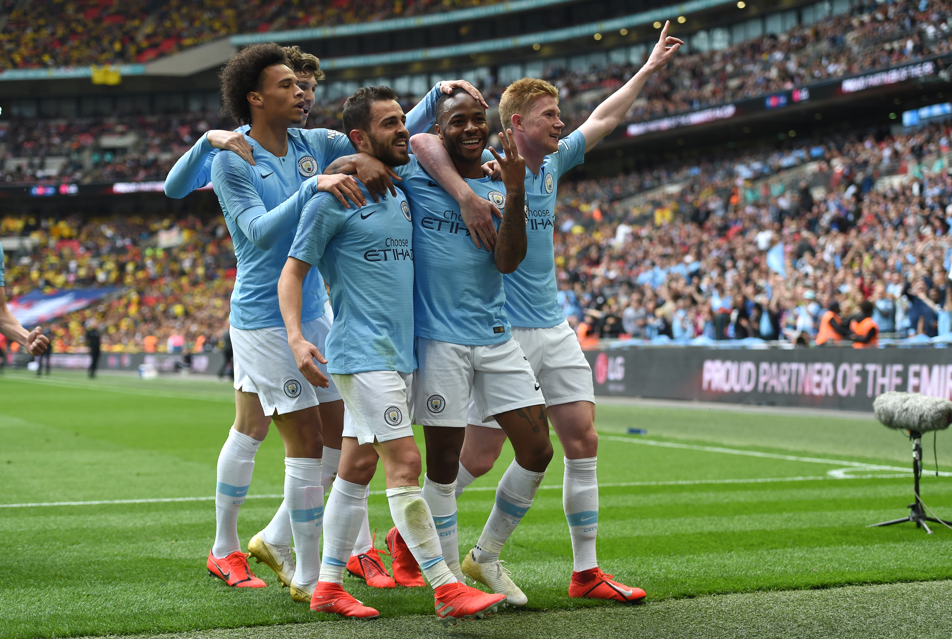 Barcelona and Real Madrid join chase for Manchester City Star - Everything Barca