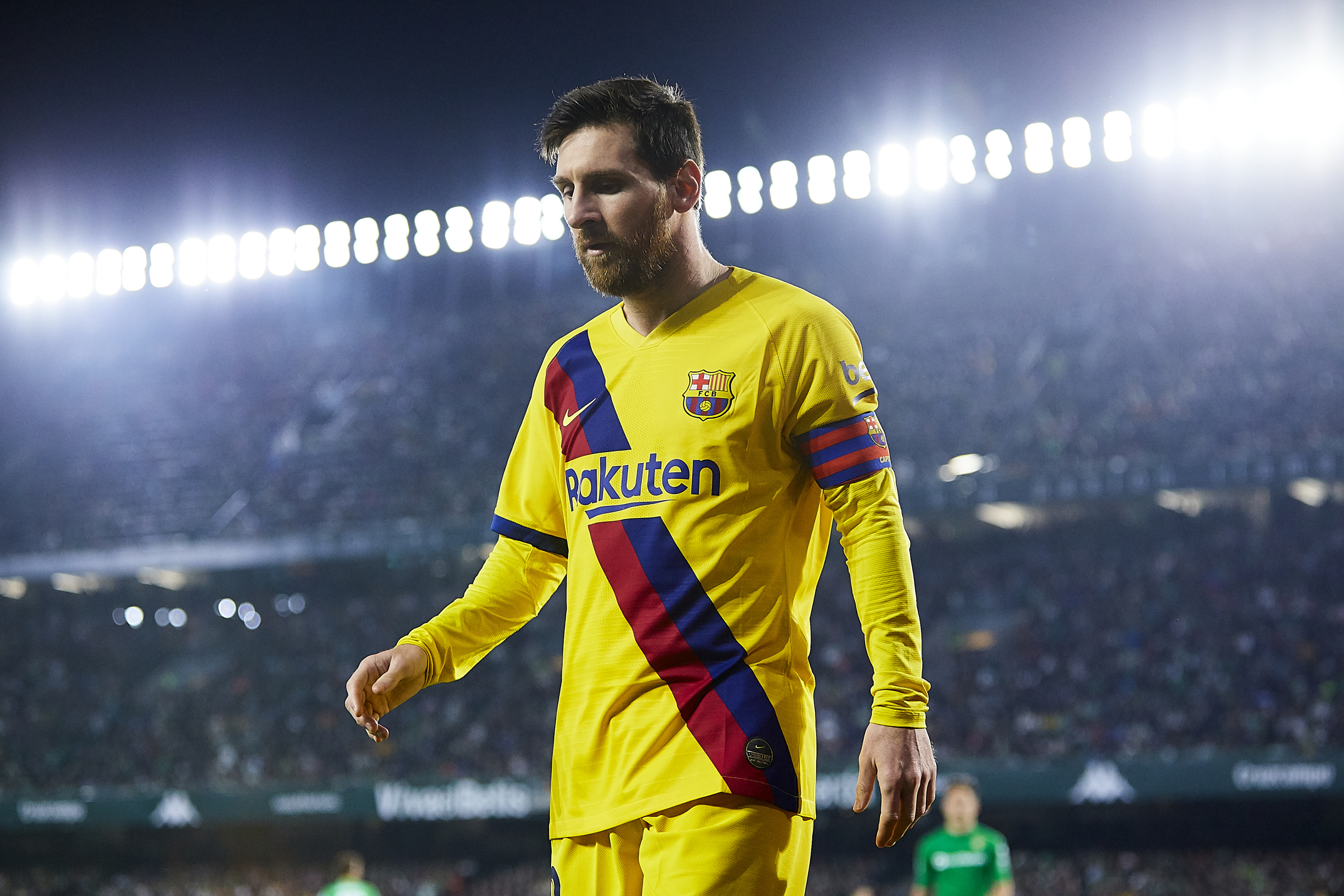 Lionel Messi receives a shocking offer to leave Barcelona