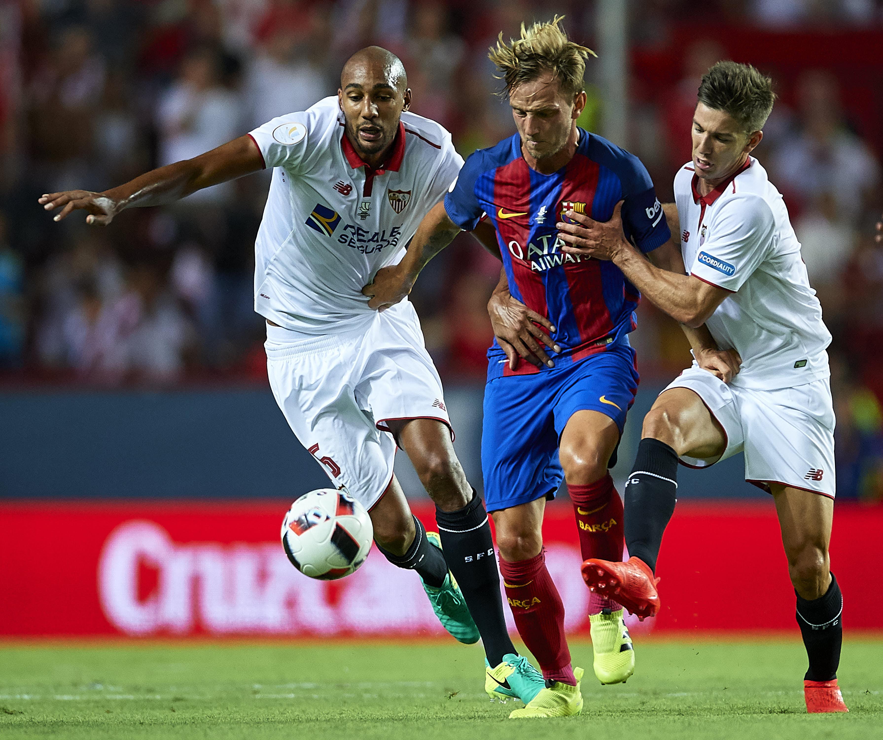 Luis Enrique Rotate Midfield Fc Barcelona Seville Spain August 14