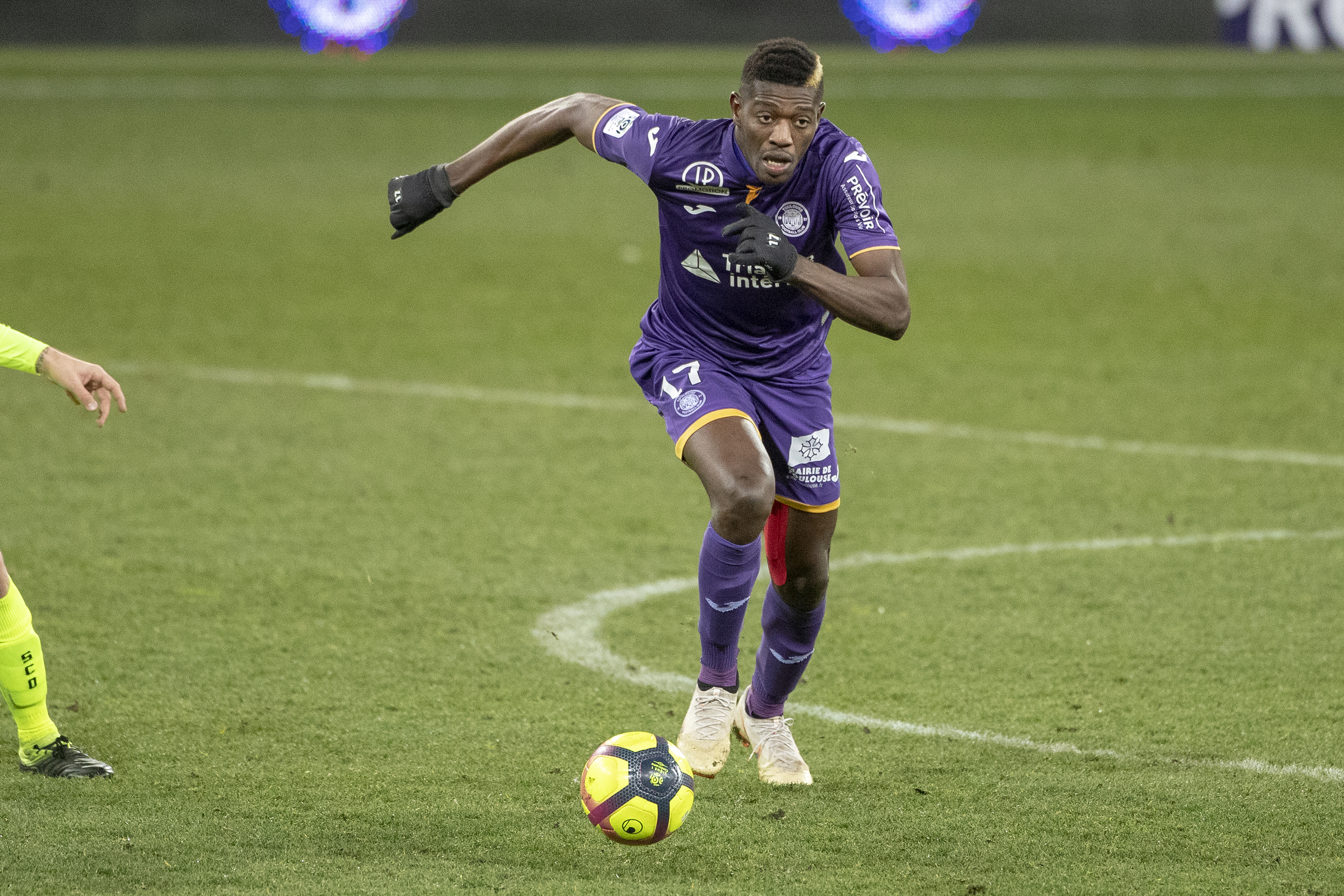 Who is Barcelona's new target, the 20-year old Ibrahim Sangaré?