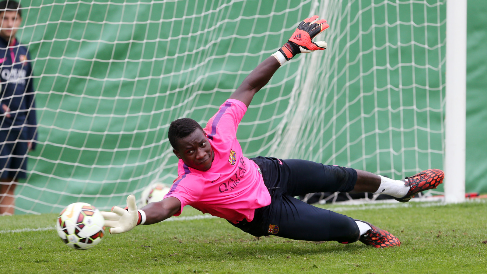 Barcelona looking to bring back former La Masia goalkeeper André Onana
