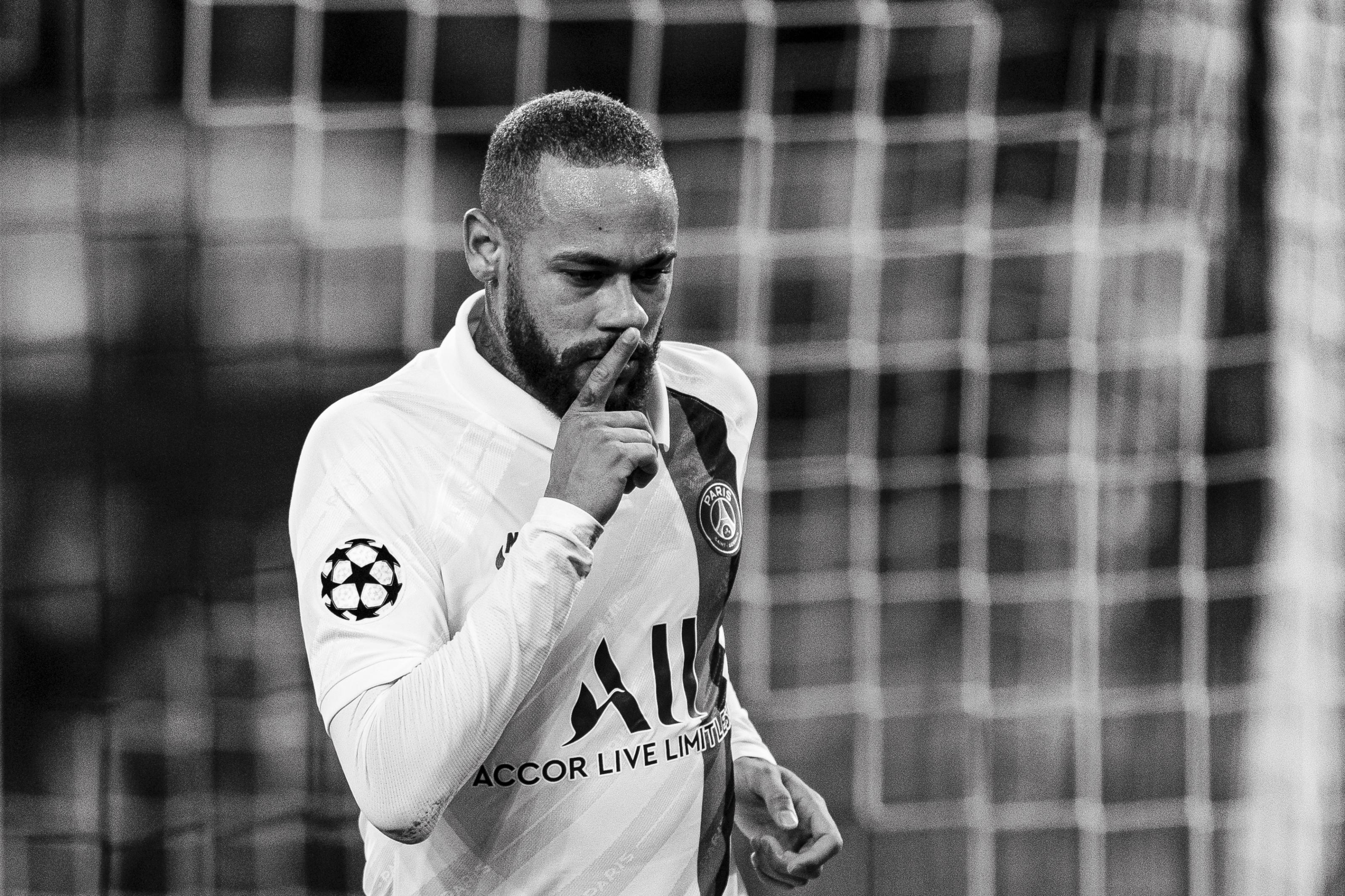 Neymar may snub Barcelona for a shock destination