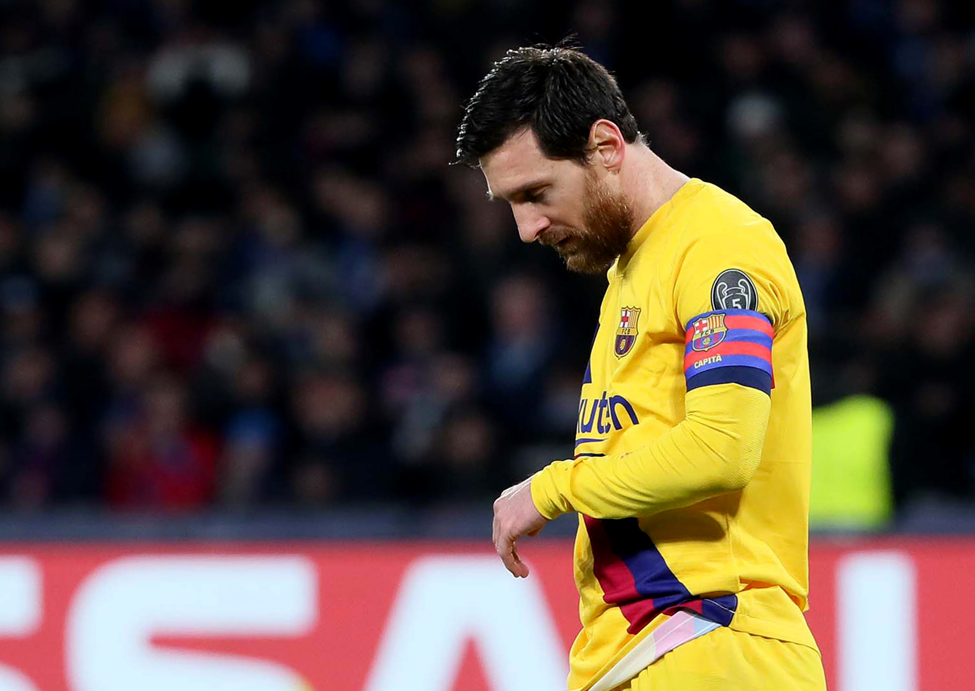 Lionel Messi issues Barcelona a new ultimatum on his future