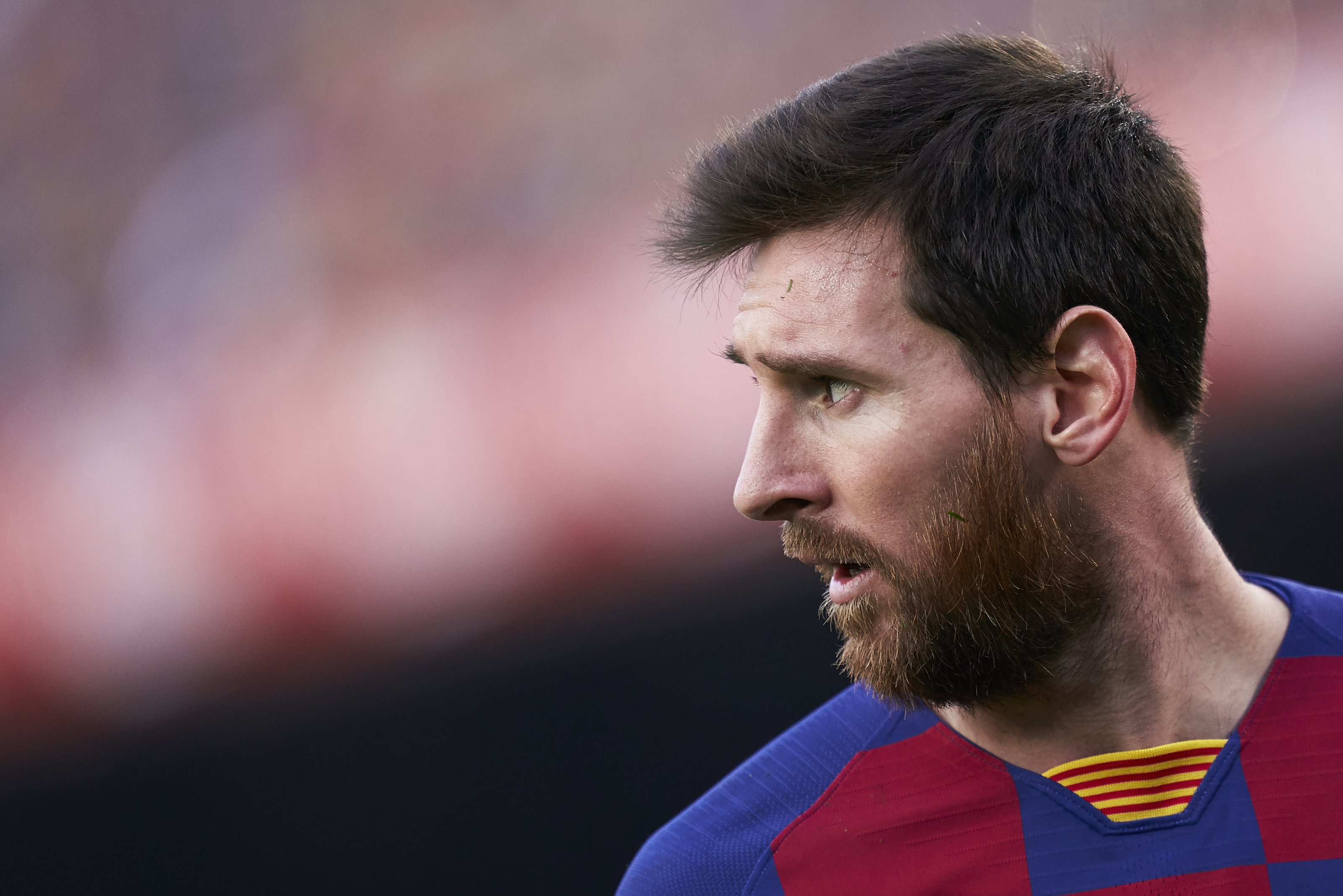 Lionel Messi demands a surprise signing from Barcelona in the summer