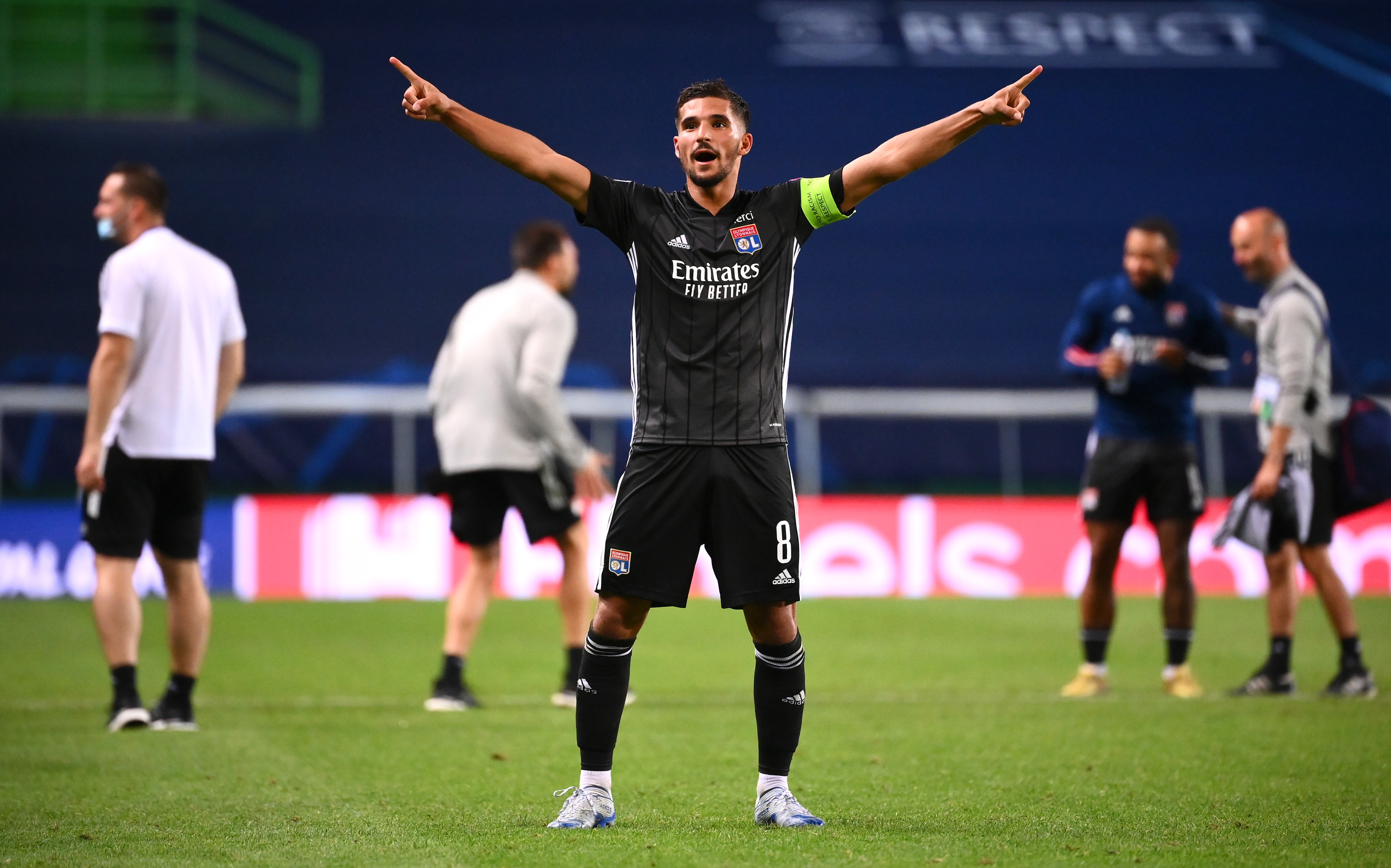 Barcelona should opt to sign Houssem Aouar from Lyon